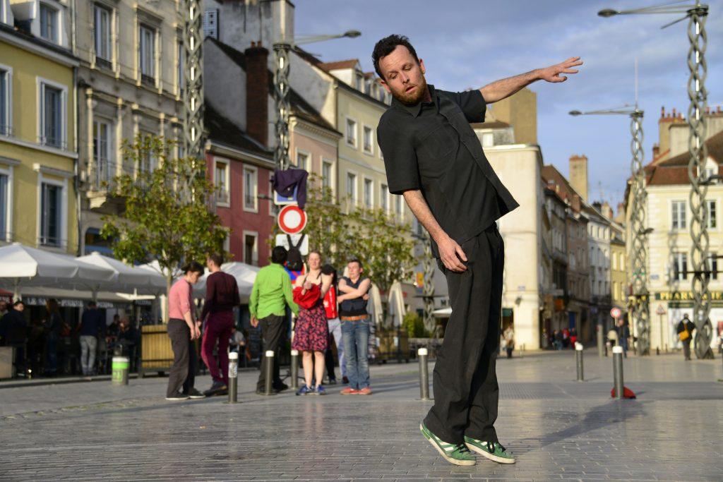 Compagnie Jeanne Simone © Michel Wiart - Un article de Marie-Christine Vernay au festival Chalon dans la Rue