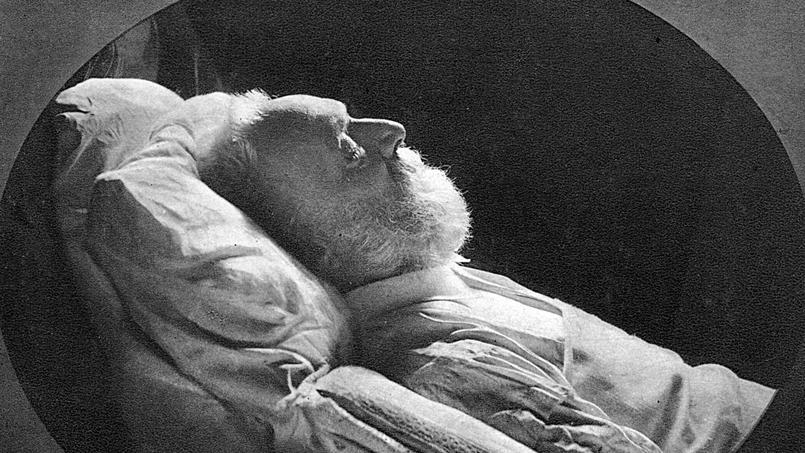 Victor Hugo sur son lit de mort, 1885 (photo: Nadar)
