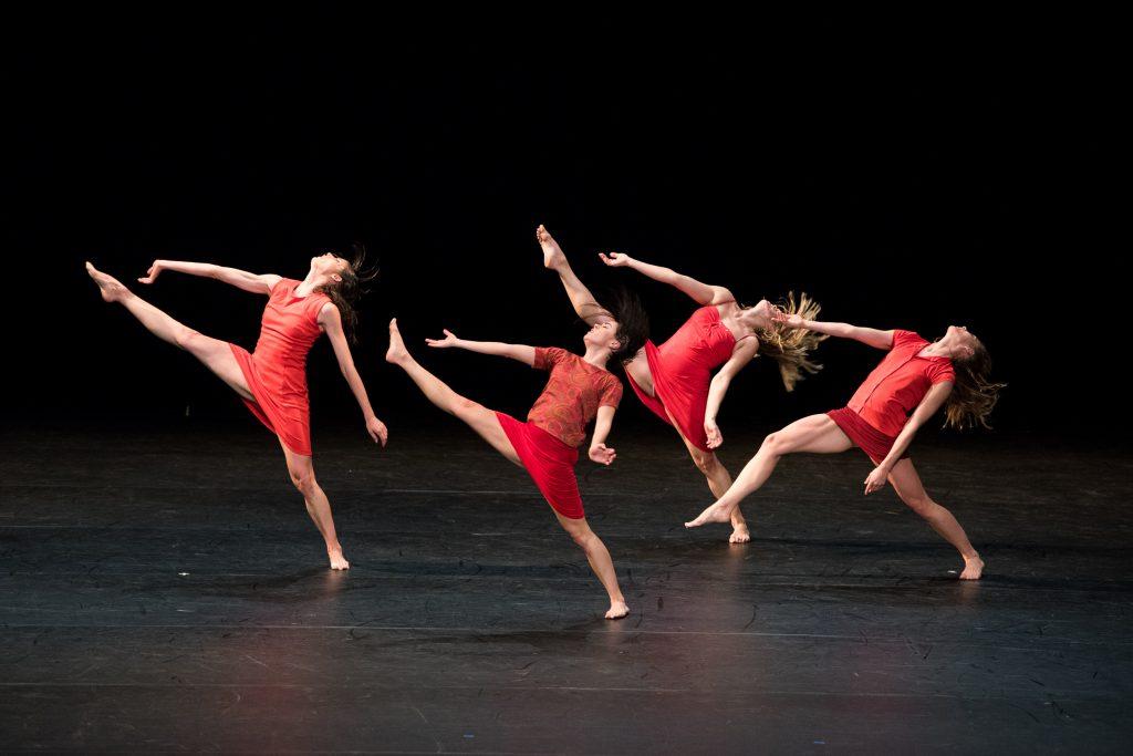 Trois grandes fugues, par le Ballet de l'Opéra de Lyon. Grosse Fuge, Maguy Marin ©Stofleth